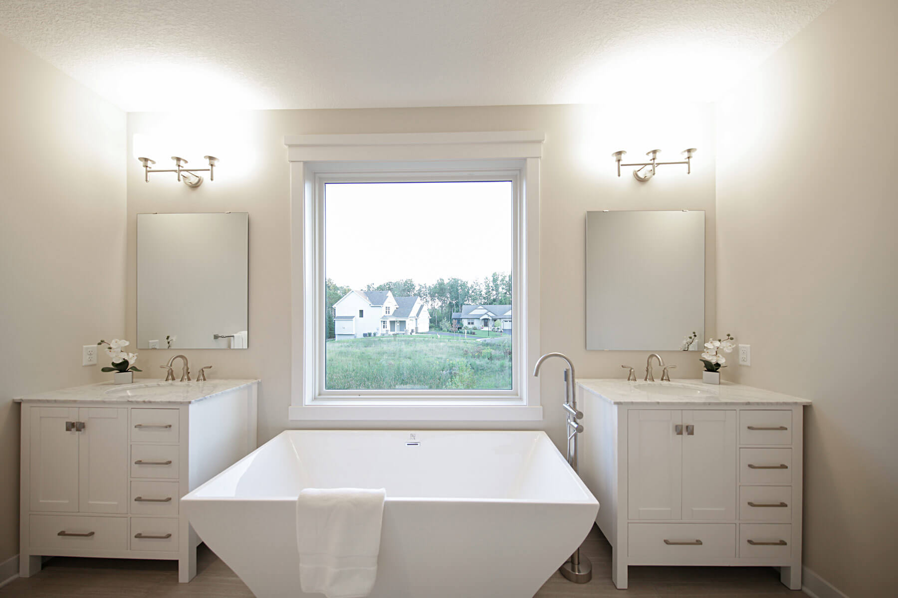 Twin Cities New Construction Monterey Court Home Stillwater Minnesota master bathroom built by Red Pine Builders